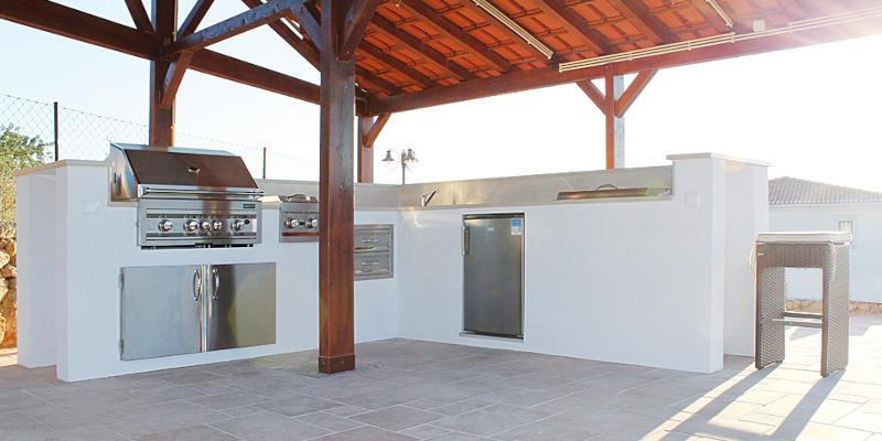 Außenküche selber bauen mit Modulen von Sunstone