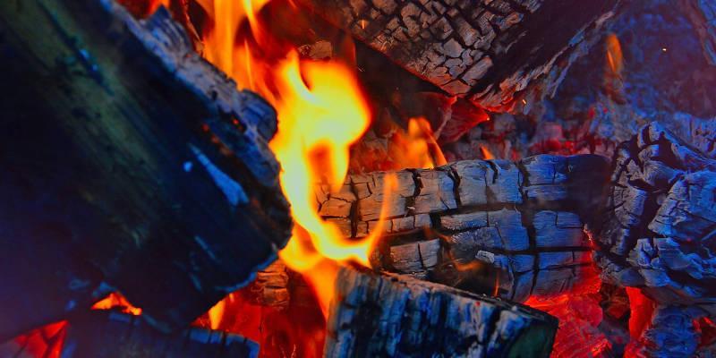 Holzkohle als Brennstoff für Grills